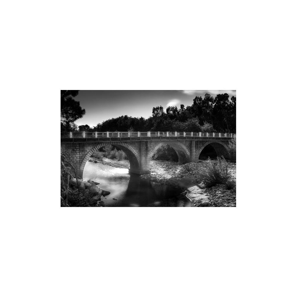 Pont et rivière du Cavu N&B