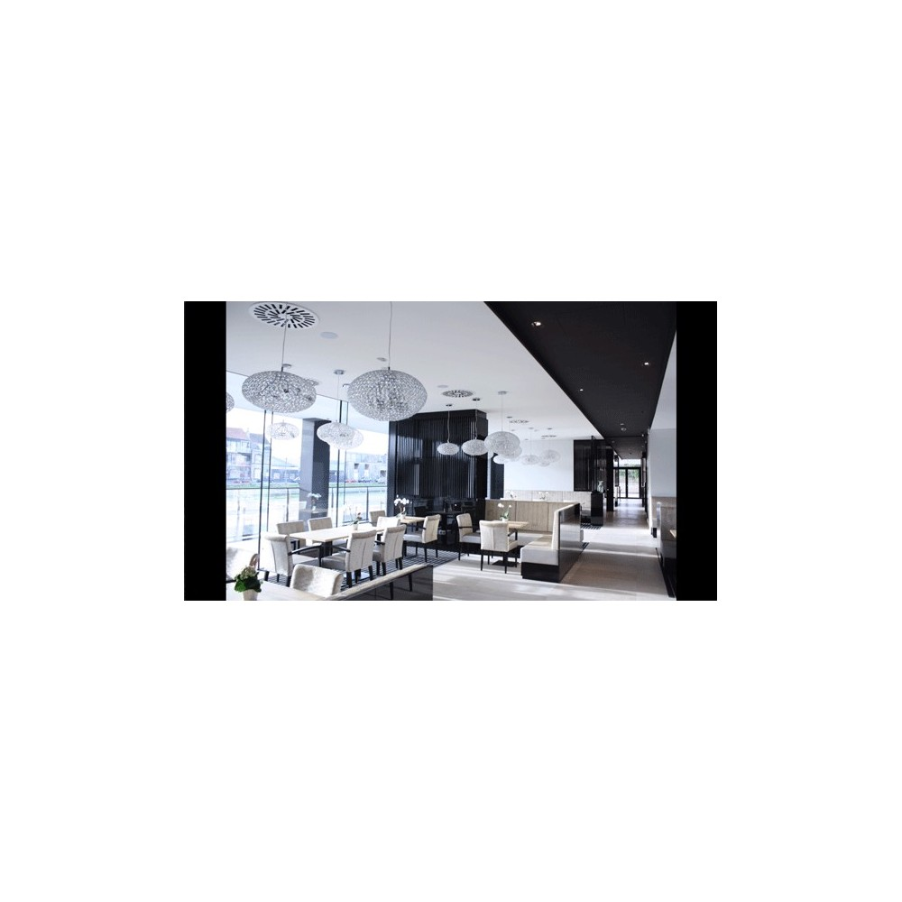 Restaurant - Plafonds tendus noir et blanc